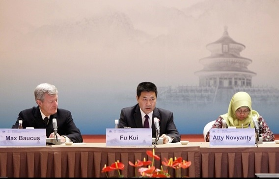 Left to right Max Baucus US Ambassador to China Fu Kui Vice Minister National Bureau of Corruption Prevention China Atty Novyanty Senior Prosecutor Corruption Eradication Commission KPK Indonesia