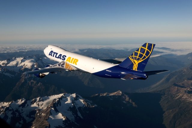 Atlas 747-8f Air to Air
