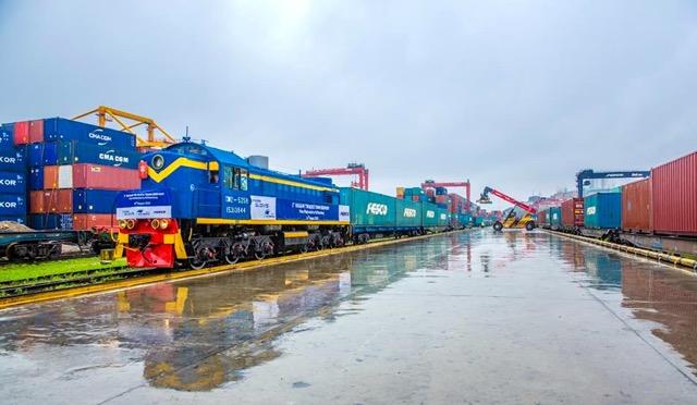Russia to expand Siberia exports to China via rail